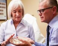 breast inplants_oncology news australia_800x500