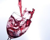 Moderate red wine consumption has a slightly protective effect against prostate cancer