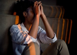 stressed woman grief anxiety stress_oncology news australia