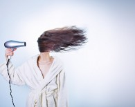 woman hair hair dryer scalp cooling concept chemotherapy induced alopecia concept_oncology news australia